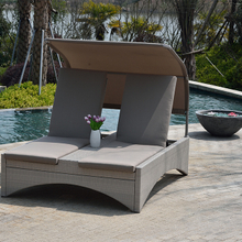 Outdoor Garden Wicker Sunbed with Canopy